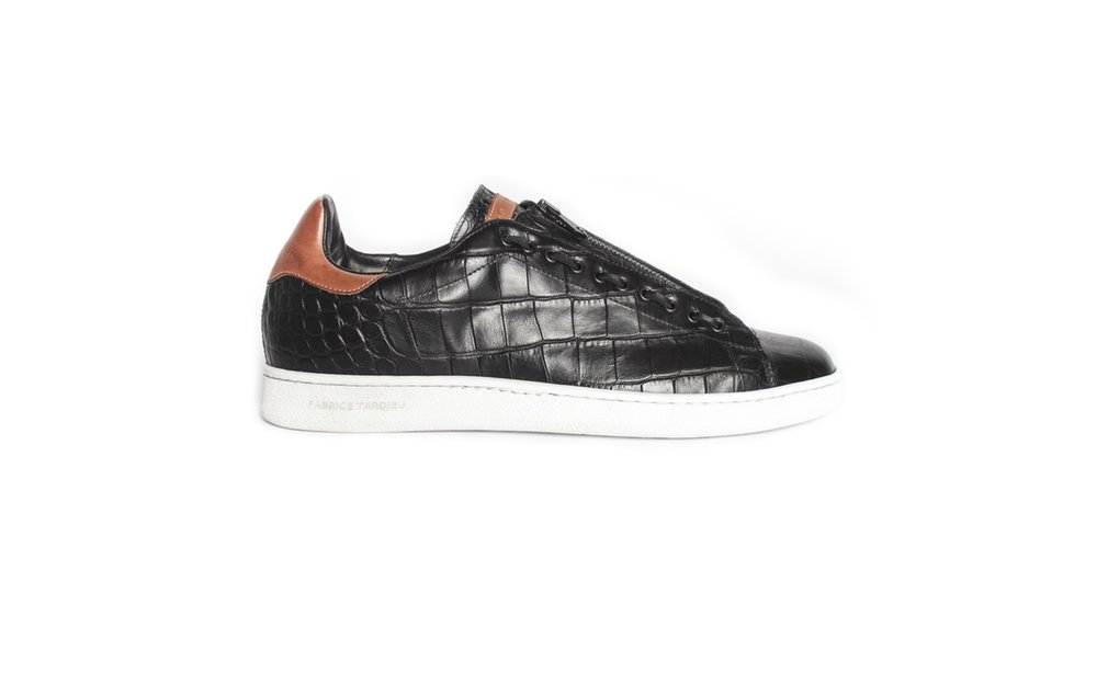 Black leather low top sneakers for men