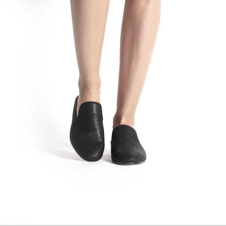 Black leather fashion slip shoes