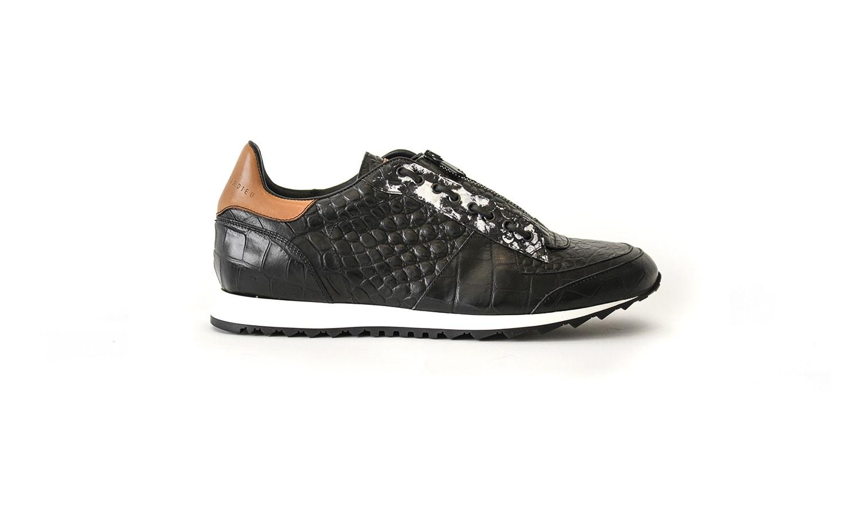 Black leather runner shoes for men