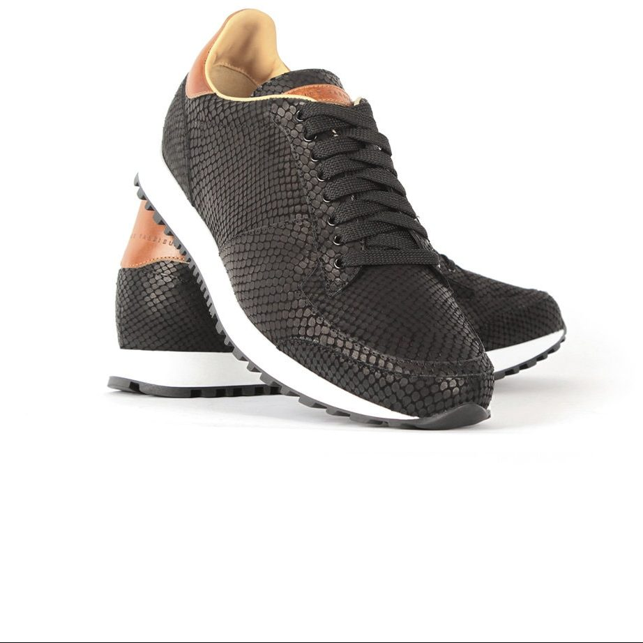 Runner black leather shoes for men