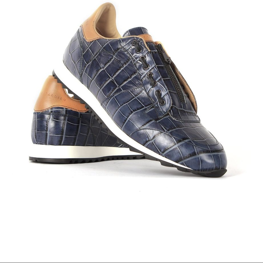 Handcrafted leather ocean blue runners for men