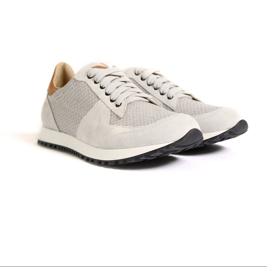 white leather runner shoes