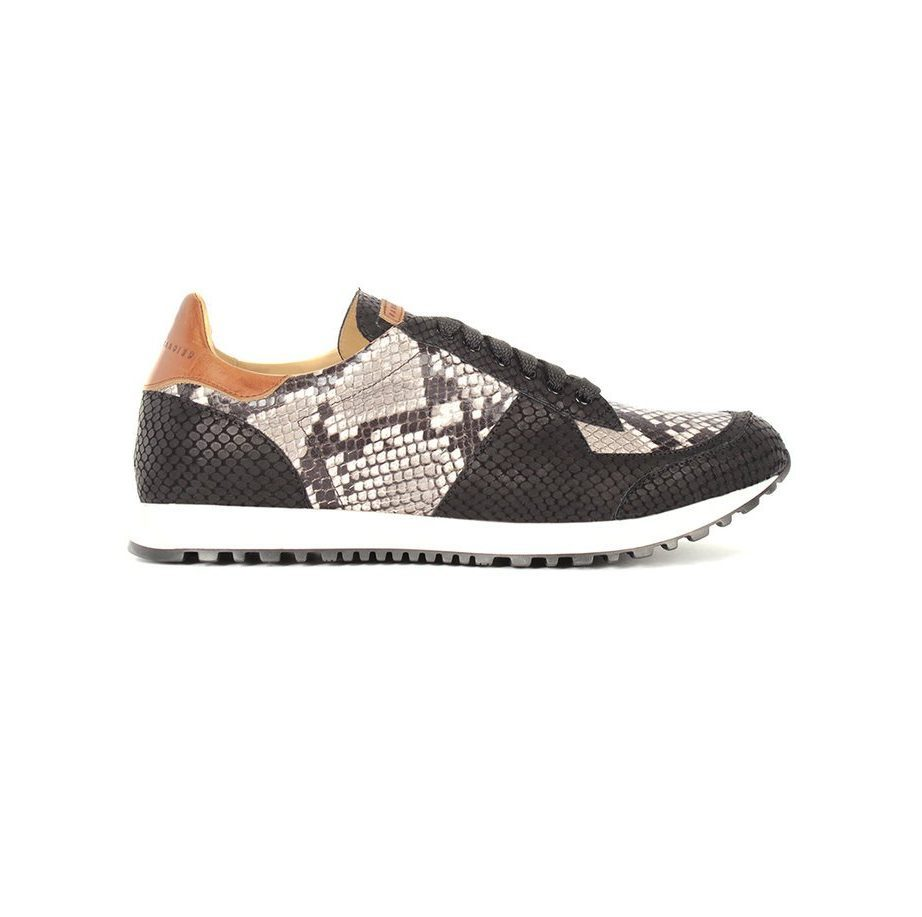 Runner black and white anaconda shoe